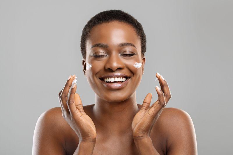 Balanta Cosmetics - Soins Cheveux - Smiling Woman